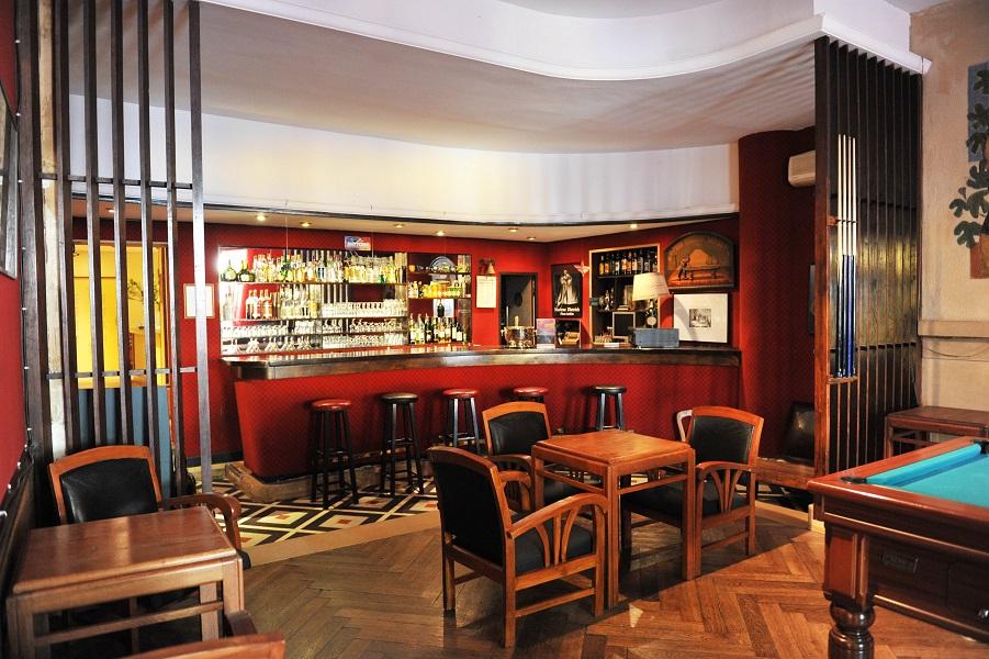 bar hotel du forum arles